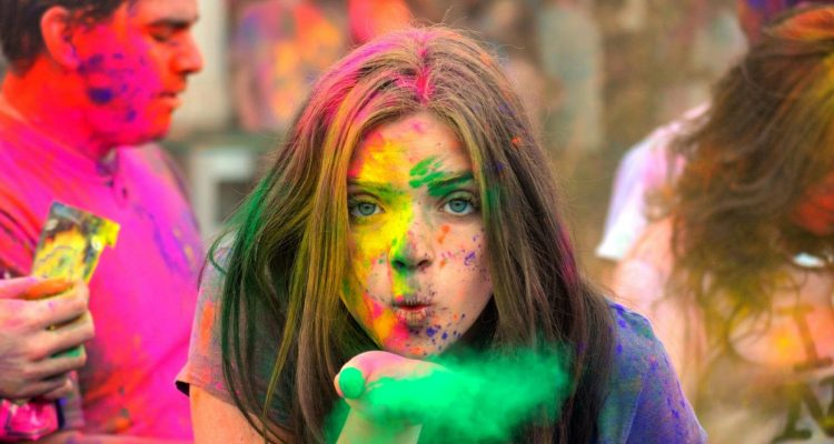 Live With Colors and Make Your Life Colorful