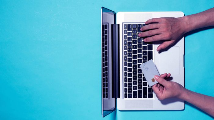 How to Avoid Problems with Online Shopping in Pakistan 2020