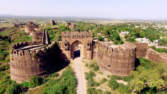 Rohtas Fort places to visit in pakistan