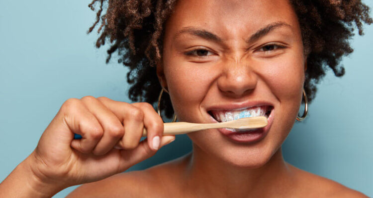 5 Basic Steps in Maintaining Proper Oral Care