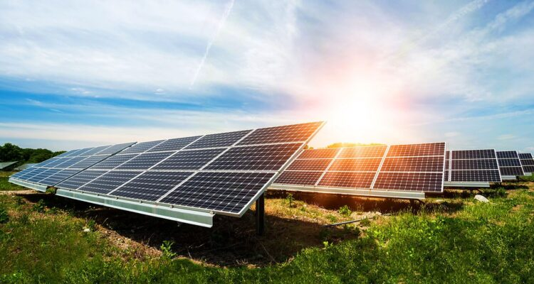Why is it important to use solar energy in Pakistan?